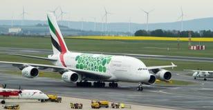 空中客车A380着陆在维也纳 库存图片