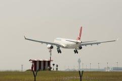 空中客车A330 343着陆 库存照片