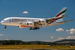 空中客车A380着陆 免版税库存图片