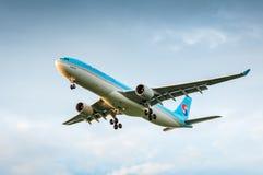 空中客车A330航空公司韩航HL7584  免版税库存图片