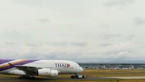 空中客车A380被拉扯 影视素材
