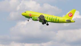 空中客车A319-114西伯利亚航空公司 库存照片