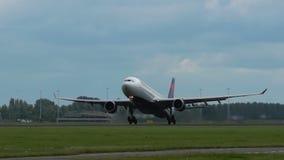 空中客车A330达美航空离开 股票录像