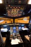 空中客车A320驾驶舱内部 免版税库存照片
