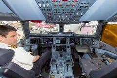 空中客车A350驾驶舱 免版税库存图片