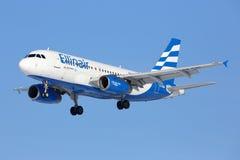 空中客车A319-133 Ellinair航空公司SX-EMB登陆在谢列梅国际机场的 库存图片