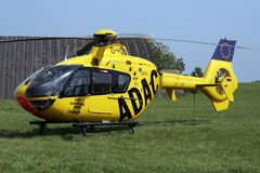 空中客车H135抢救直升机 图库摄影