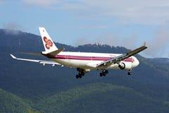 空中巴士A330-300 Thaiairway 免版税库存照片