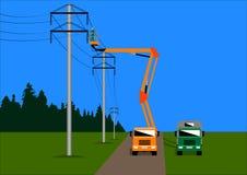 空中平台的电工修理高压线 库存例证