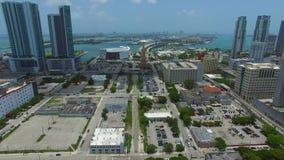 空中录影晴朗的小岛海滩FL 股票视频