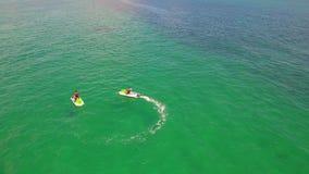 空中录影Waverunners在迈阿密 股票录像