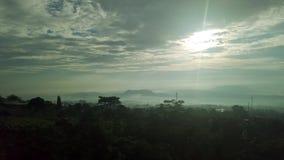 空中村庄风景在有薄雾的早晨 影视素材