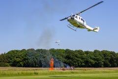 空中消防直升机 库存照片