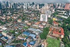 空中照片-房子屋顶  在吉隆坡,马来西亚附近的一个小镇 图库摄影