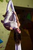 空中舞蹈执行者 库存图片