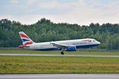 空中航线英国飞机 免版税库存照片