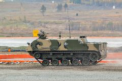 空中被跟踪的装甲运兵车 图库摄影