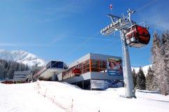 空中览绳岗位在Jasna低Tatras 免版税库存图片