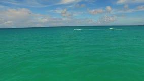 空中迈阿密waverunners在水3中 股票录像