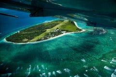 空中障碍巨大礁石视图 免版税库存照片