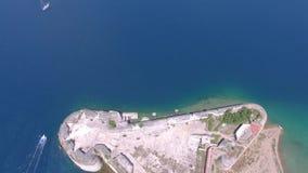 空中直升机射击了圣尼古拉斯堡垒-希贝尼克群岛 股票录像