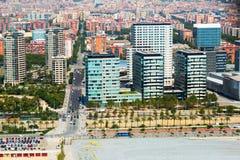 空中巴塞罗那视图 海边区的新房 库存图片