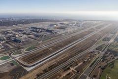 空中洛杉矶国际机场的跑道 库存照片