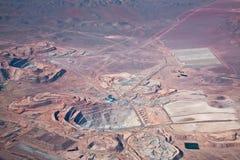 空中atacama铜沙漠最小值视图 免版税图库摄影