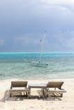空位deckchairs在天堂 免版税库存照片