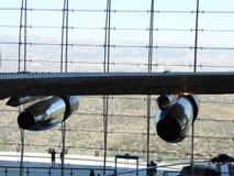 空军一号涡轮发动机在罗纳德・里根图书馆面对Simi谷宏伟的视图  免版税图库摄影