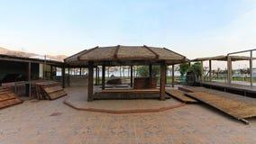 空的海滩咖啡馆 免版税库存图片