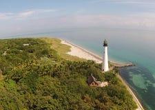从空气看见的海岛灯塔 库存图片
