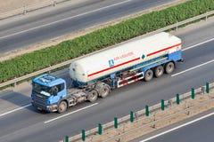 空气Liquide在高速公路的气体运输,北京,中国 免版税库存照片