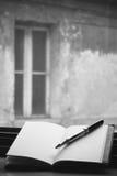 空白书笔 库存照片