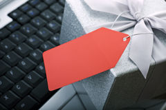 空白商务e礼品膝上型计算机标签 免版税库存照片