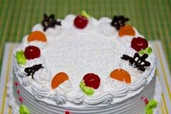 空白奶油色蛋糕。 免版税库存照片