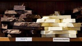 空白巧克力黑暗的平板 库存图片