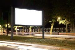 空白广告牌在晚上 免版税库存图片