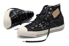 空白查出的对的运动鞋 库存照片