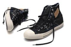 空白查出的对的运动鞋 免版税库存图片