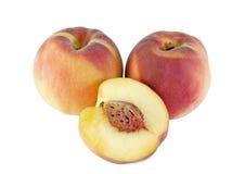 空白查出的桃子 免版税库存照片