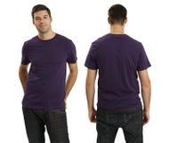 空白男性紫色衬衣佩带 免版税库存照片