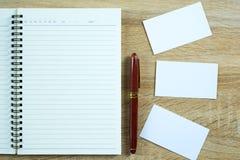 空白的名片或名片与空间为增加文本名字广告 库存照片