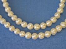 空白的天然珍珠 免版税库存图片