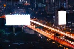 空白的广告牌准备好新的广告在高速公路 免版税库存照片