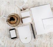 空白的文具和公司本体 库存照片