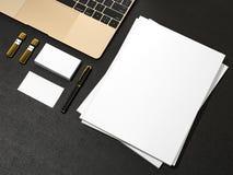 空白的杂志和笔记本 免版税库存照片
