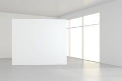 空白的白色广告牌在有大窗口的空的屋子里,嘲笑, 3D翻译 免版税库存图片