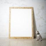 空白的白色木自然框架和小犬座 免版税库存图片