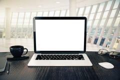 空白的白色膝上型计算机特写镜头 免版税图库摄影